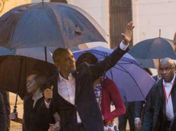 Обама с историческим визитом прибыл на Кубу, Кастро не приехал его встречать