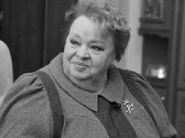 Крачковскую похоронили рядом с Валентиной Толкуновой и Борисом Заходером