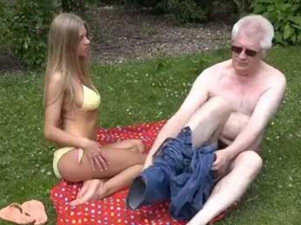 61-летний профессор из Британии стал звездой порнофильмов
