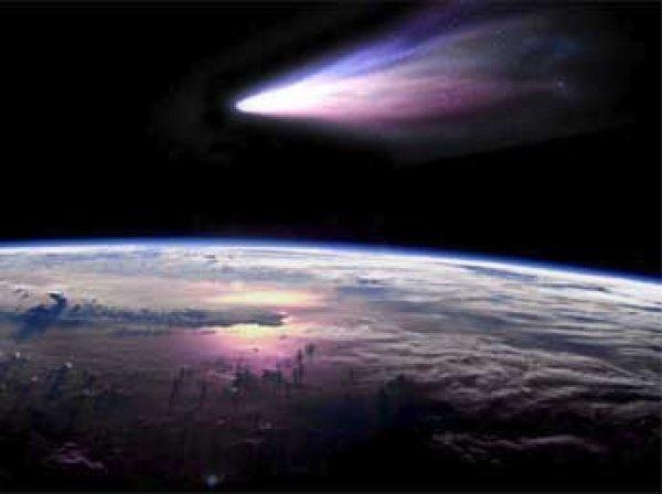NASA показало  видео полета кометы рядом с Землей