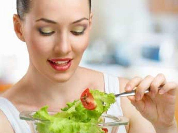 Опрос: каждая третья женщина на Земле всю жизнь сидит на диете
