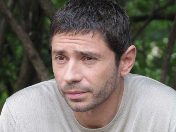 Актер Валерий Николаев вышел из московского СИЗО