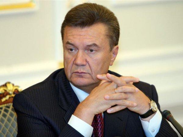 """Генпрокуратура Украины хочет заманить Януковича """"сексуальным подарком"""""""