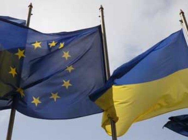 Еврокомиссия официально предложила отменить визы для украинцев