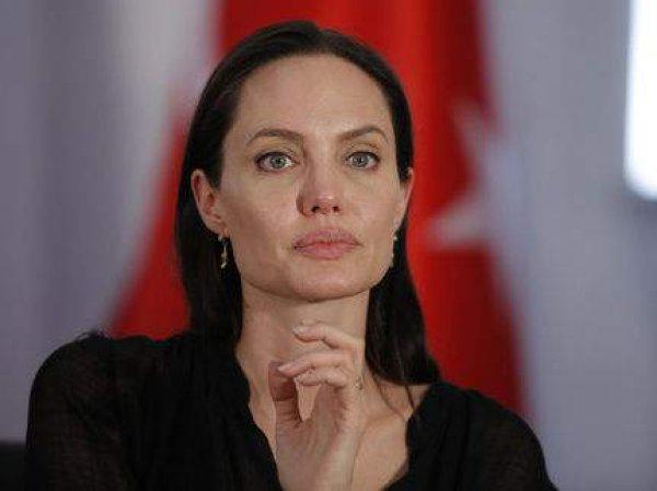Анджелина Джоли, новости сегодня 11 апреля: актриса готовится выступить на ТВ  (ФОТО)