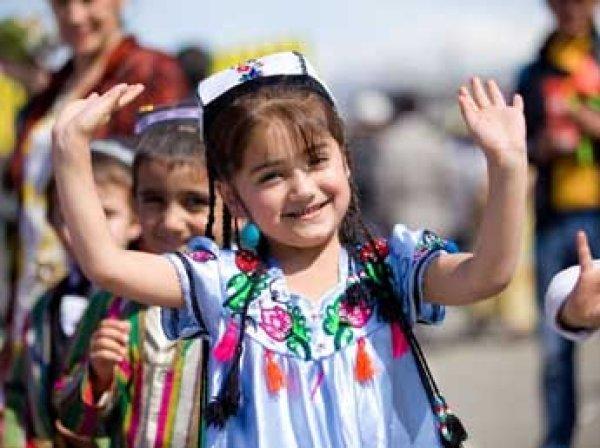 В Таджикистане власти запретили давать детям русские имена и фамилии