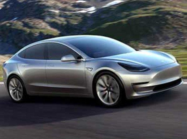 «Тесла» представила самую дешевую модель своего электрокара