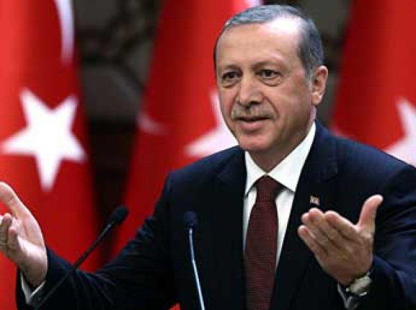 Глава Турции Эрдоган подал в суд на немецкого комика за оскорбительный стих