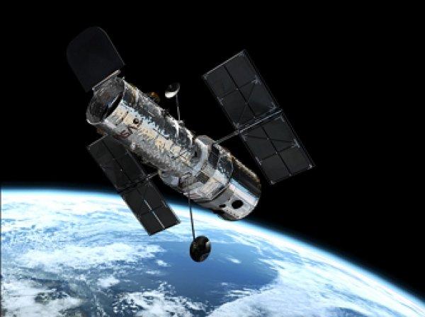 """""""Хаббл"""" сделал фото загадочного «красного квадрата» в космосе"""