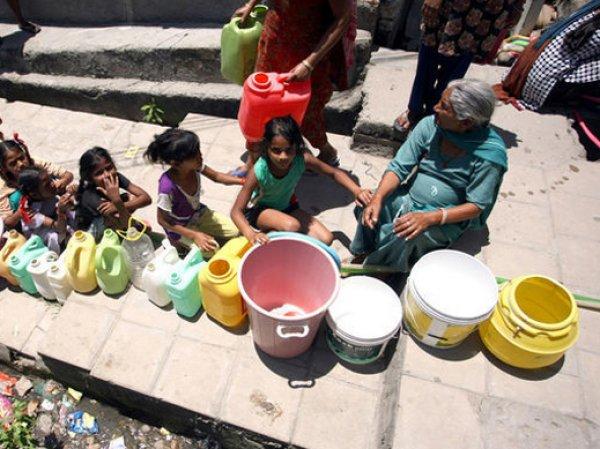 Аномальная жара в Индии унесла жизни 220 человек