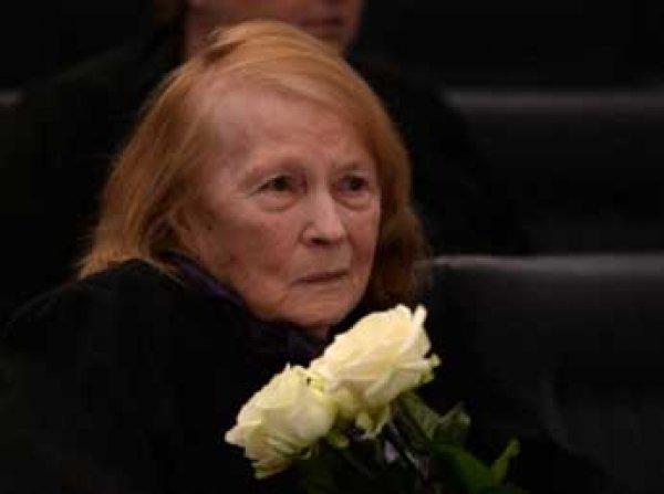 В Москве экстренно госпитализировали звезду «Служебного романа»