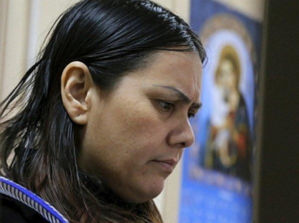 """Дело Бобкуловой: няня-убийца расплакалась в суде, прося отправить ее """"лечить голову"""""""