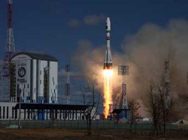 Россия потеряла связь с запущенным с Восточного спутником