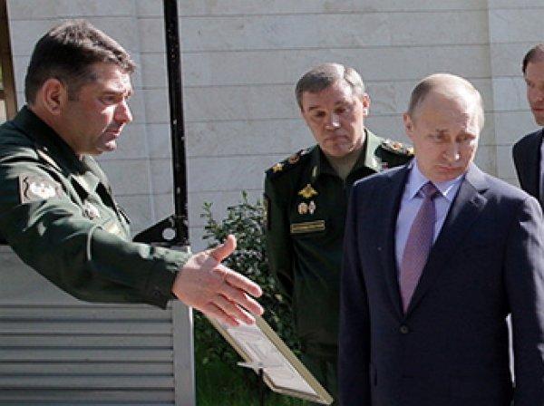 """Генерал рассмешил Путина, оторвав ручку у внедорожника """"УАЗ-Патриот"""""""
