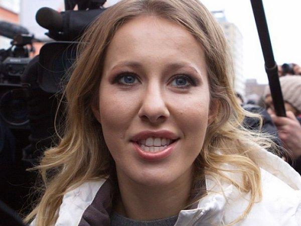 Собчак устроила скандал на борту самолета: ВИДЕО появилось в Сети