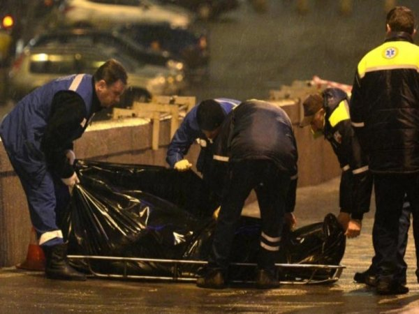"""ВИДЕО подозрительного """"Мерседеса"""", снятого за минуту до убийства Немцова, появилось в Сети (ВИДЕО)"""
