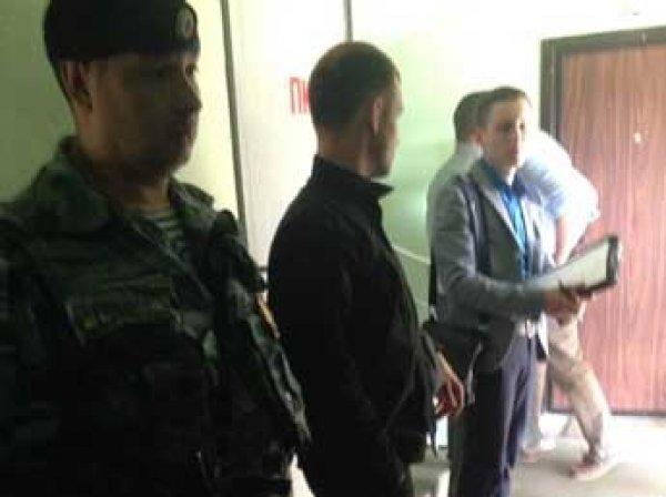Следователи снова проводят обыск в квартире Алексея Навального