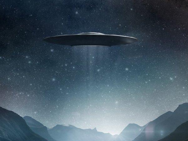 Астроном-любитель снял на ВИДЕО огромное НЛО возле Юпитера (ФОТО) (ВИДЕО)