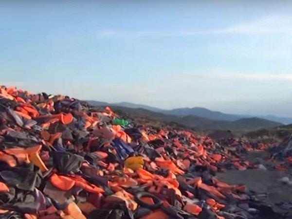 СМИ: у беженцев на Лесбосе вырезали органы, а тела кидали в море (ВИДЕО)
