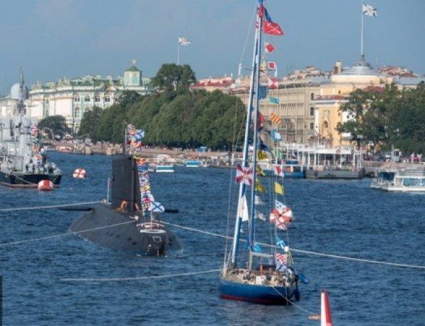День ВМФ 2016 в Санкт-Петербурге 31 июля: программа мероприятий, салют (ВИДЕО)