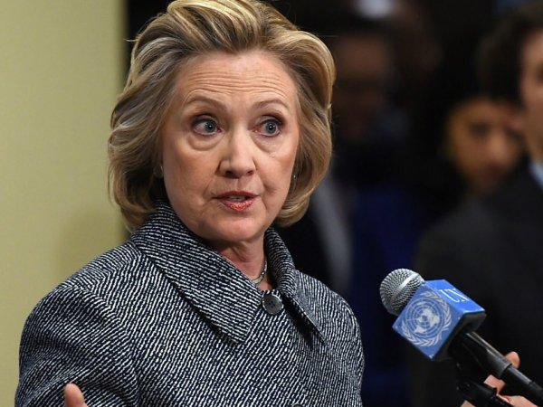 СМИ: в кибератаке на сервера штаба Клинтон следствие подозревает ГРУ