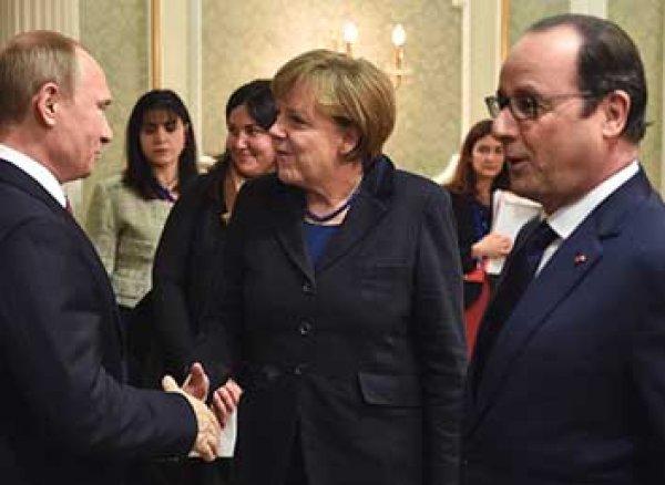 Путин призвал Меркель и Олланда повлиять на Порошенко