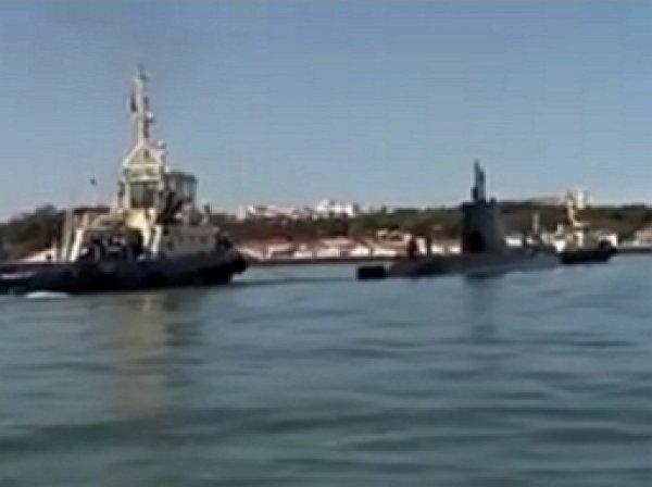 Французские рыбаки поймали в сети подлодку ВМС Португалии (ВИДЕО)
