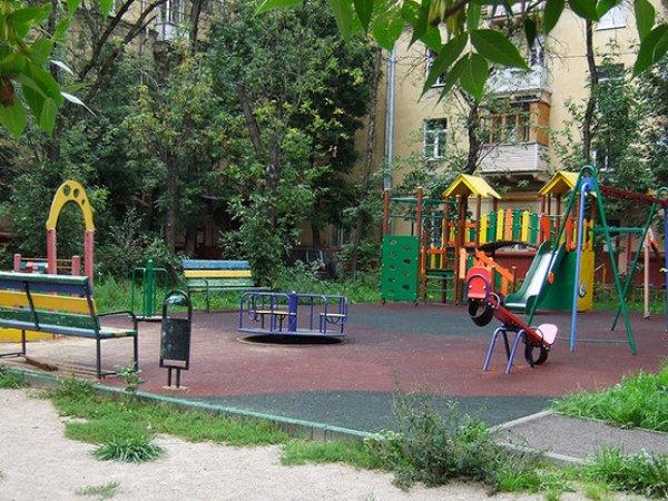 В Москве 72-летний педофил увел девочку с детской площадки и час насиловал в квартире (ВИДЕО)
