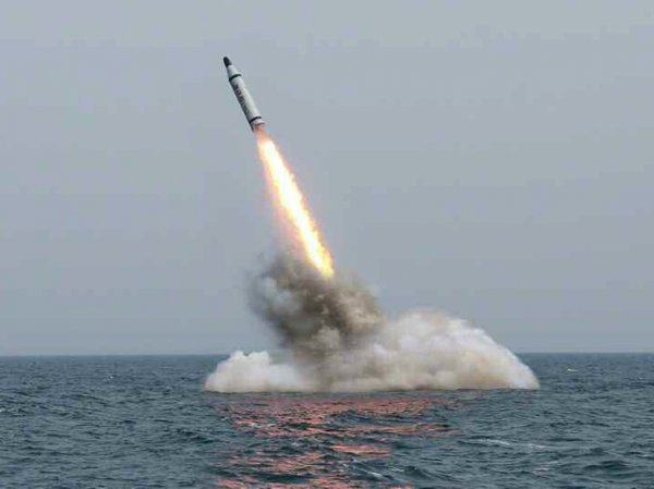 Сеул: баллистическая ракета КНДР взорвалась на высоте 10 километров