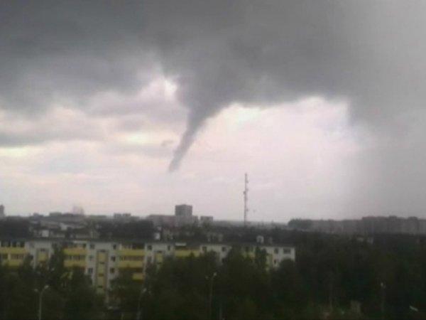 Торнадо в Сургуте: ВИДЕО появилось в Сети (ВИДЕО)