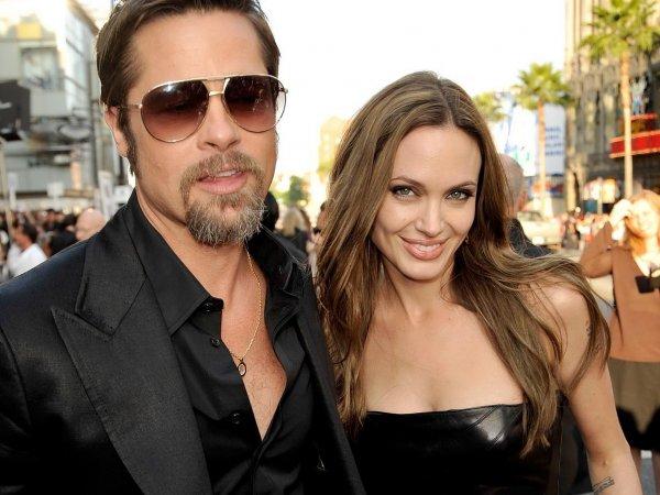 Анджелина Джоли, последние новости: Джоли и Питта застали в обычной закусочной в день рождения их близнецов (ФОТО)