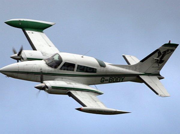 В США при крушении самолета погибли 4 человека (ФОТО)