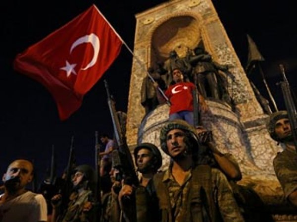 В Турции после путча закрывают 1,7 тыс. учебных заведений