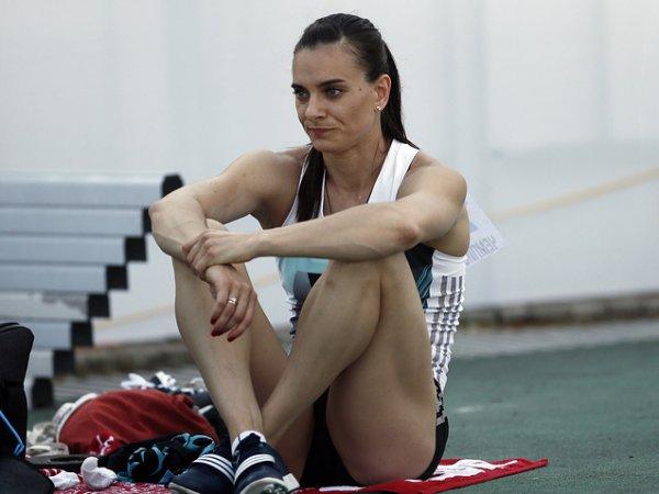"""""""Это многое объясняет"""": """"Первый канал"""" назвал Исинбаеву олимпийской чемпионкой по прыжкам с парашютом (ВИДЕО)"""