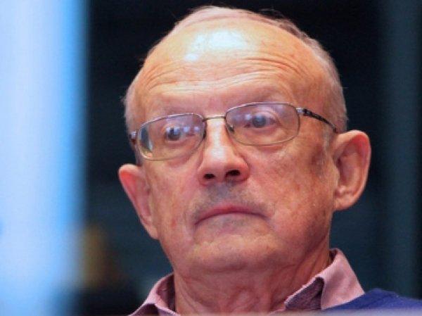 Сотрудники ФСБ нагрянули с обысками к публицисту Пионтковскому