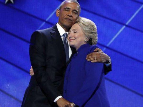 Фотожабы с объятиями Обамы и Клинтон взорвали соцсети (ФОТО)