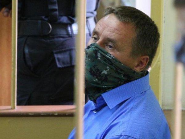 Суд санкционировал арест трех сотрудников СК РФ по делу о взятках