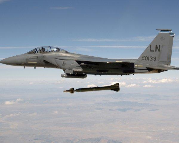 ВВС США бросили своих союзников в Сирии во время боя с ИГ