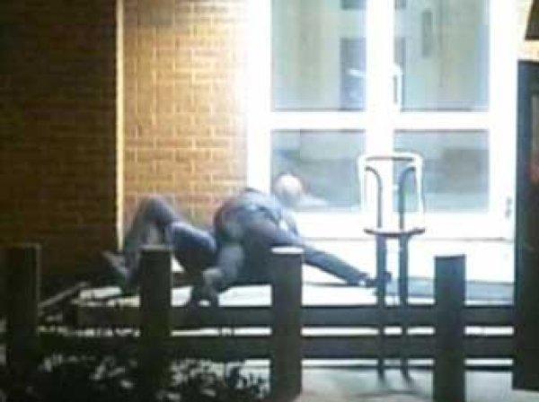 В Москве сотрудник ЦРУ напал на полицейского, в Сеть попало ВИДЕО
