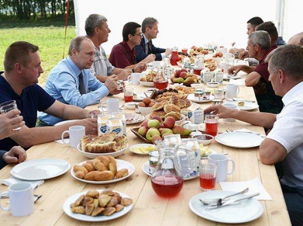 Министр сельского хозяйства Ткачев рассмешил Путина познаниями в свиноводстве