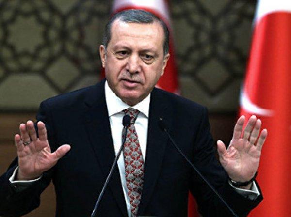 После попытки путча в Турции власти закрывают 130 СМИ