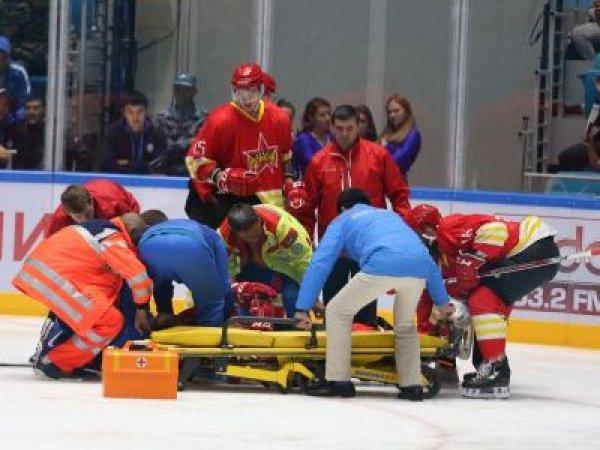 """Хоккеист казахстанского """"Барыса"""" Рыспаев избил на льду четырех китайцев (ВИДЕО)"""