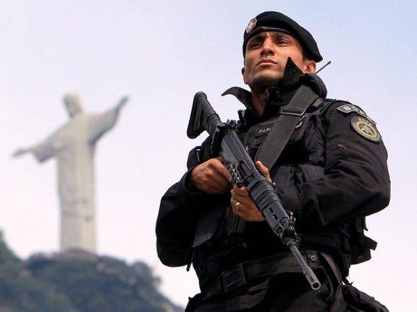 В Бразилии полиция задержала россиян с крупной суммой денег