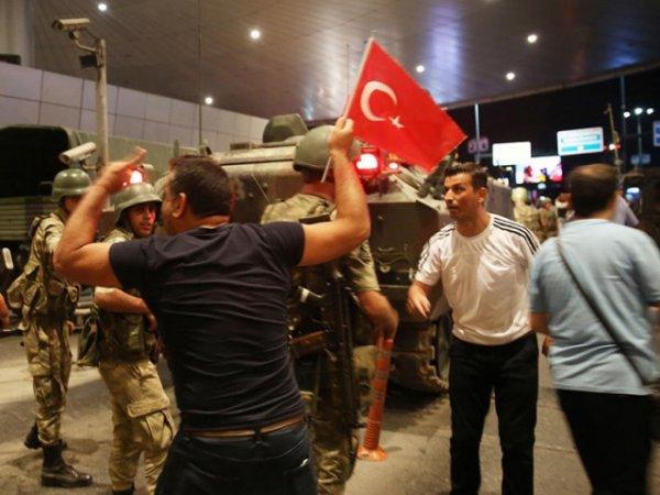 СМИ: попытка госпереворота стоила Турции  миллиардов