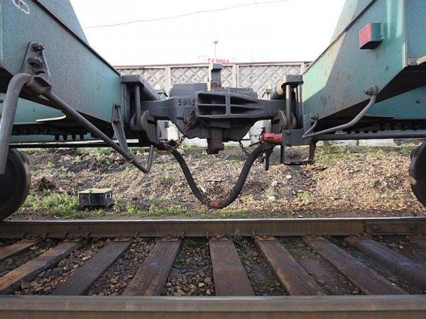 Под Воронежем на полном ходу разорвало пополам пассажирский поезд