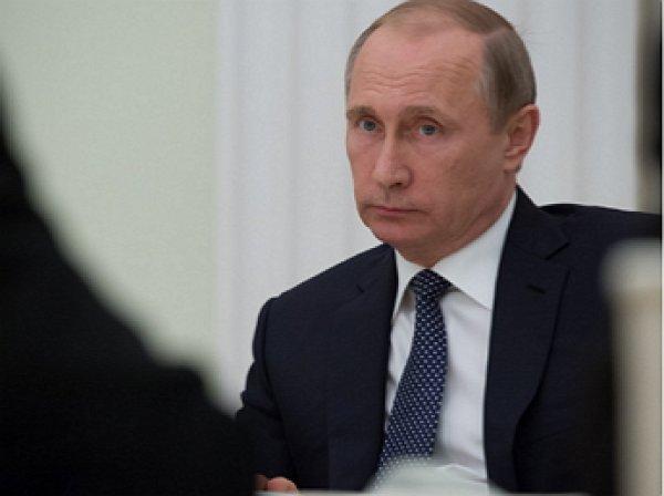Путин уволил восемь генералов СК и МВД