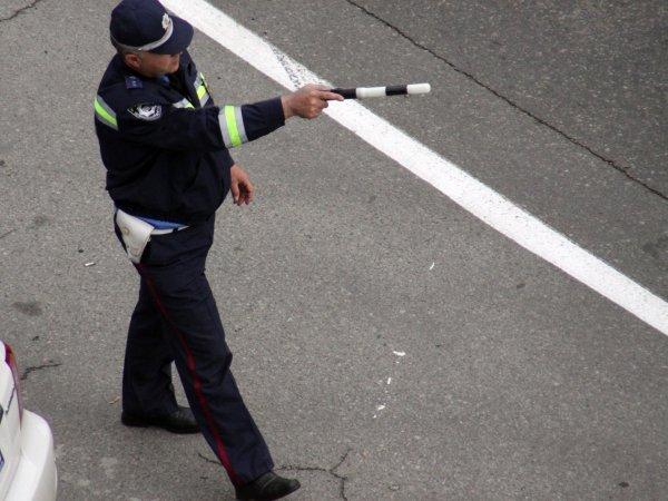 В Москве водителя оштрафовали за то, что тень его машины пересекла сплошную линию (ФОТО)