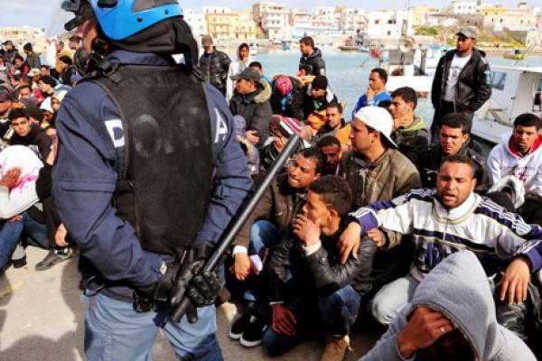 В Австрии могут вести режим ЧП из-за беженцев