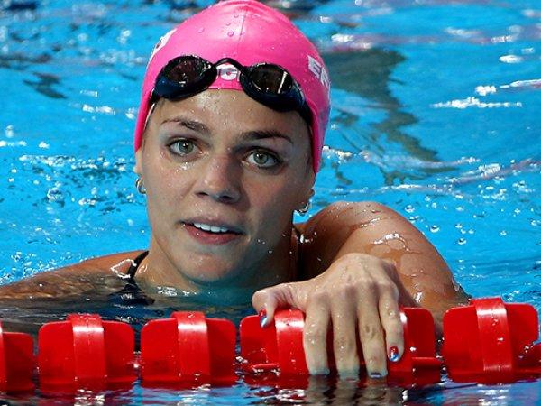 Американская пловчиха обрушилась с критикой на Ефимову за поднятый палец (ФОТО)