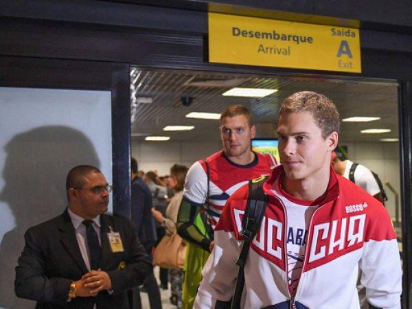 Названа причина 4-часовой задержки Олимпийского борта сборной России из Рио (ФОТО)